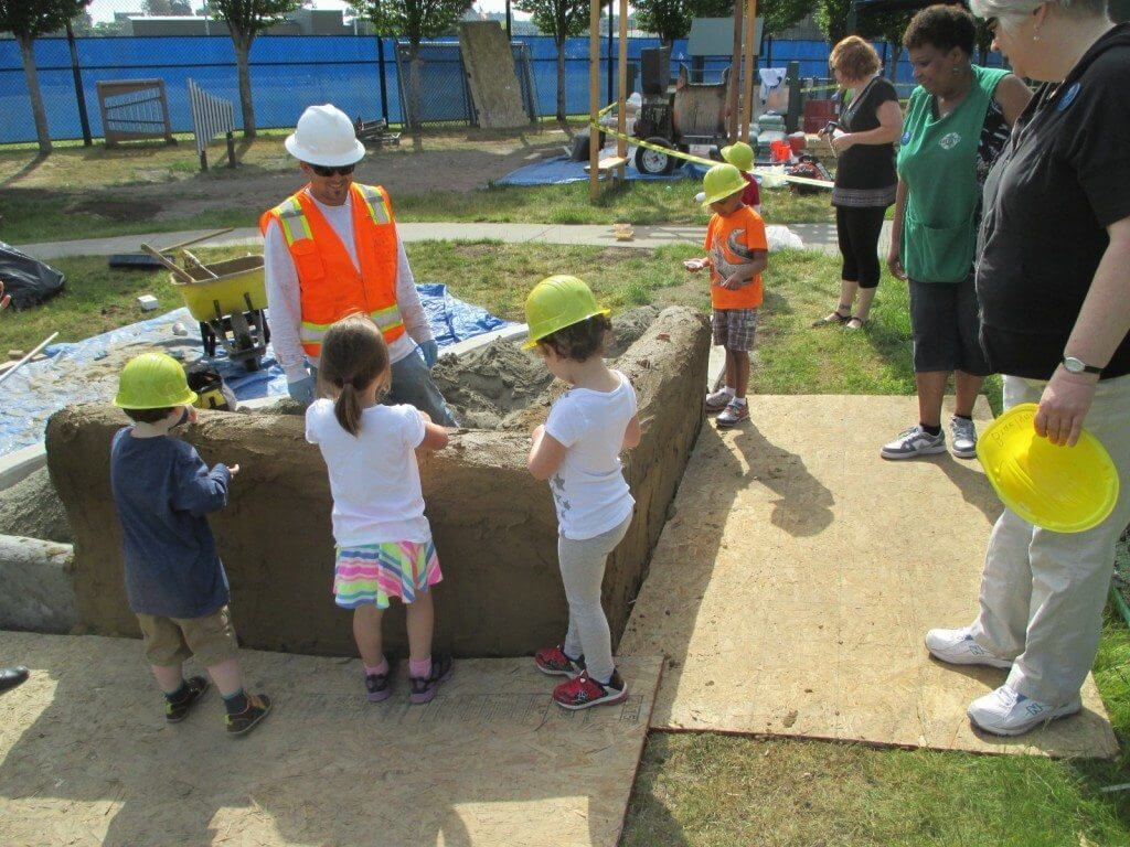 Kids-Get-Involved-in-the-Construction-1