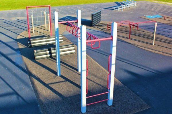 Castle Park Fitness Course 18